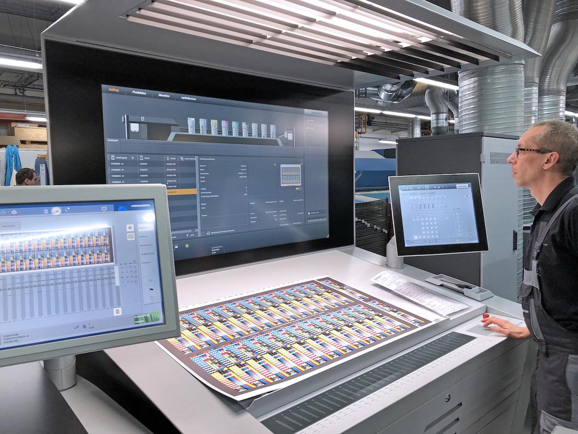 Assistenz und Analyse-Systeme der Druckmaschine nutzen